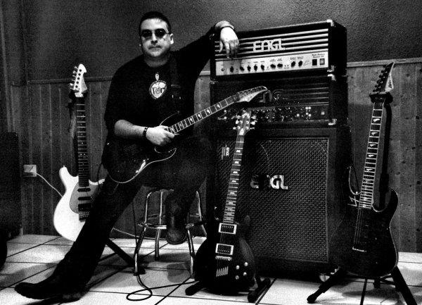 """Jorge Lario Marigil: En la actualidad acaba de sacar al mercado su primer CD instrumental titulado """"01"""" editado por su propia discográfica l´espairecords."""