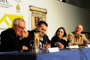 """El escritor Angel Corbalán en la presentación de su libro """"San García Abad, el Gran Santo desconocido""""."""