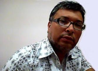 Alexander Muñoz escritor colombiano afincado en La Comunidad Valenciana España