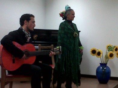 La cantaora, PILAR LEAL y el guitarrista JEAN CARLO FRANCO